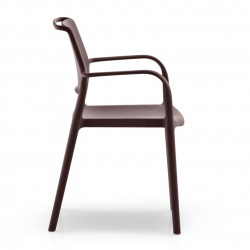 Lot de 4 chaises avec accoudoirs Ara 315, Pedrali marron