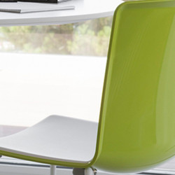 Chaise Tweet 897, Pedrali vert, blanc Pieds chromés