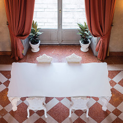 Table Sir of Love, Design of Love by Slide blanc Longueur 260 cm