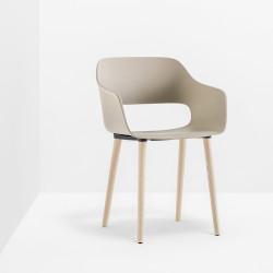 Lot de 4 fauteuils Babila 2755, Pedrali couleur Sable et pieds en bois certifié FSC