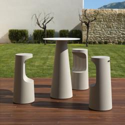Mange debout design Fura rond, Plust Collection base sable, plateau blanc diamètre 60 cm
