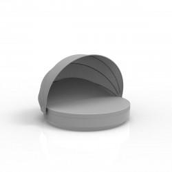 Lit de soleil rond design Vela Daybed, avec parasol, dossier inclinable, coussin Silvertex gris argent, Vondom