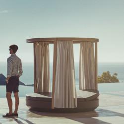 Pergola pour bain de soleil rond Vela avec rideaux gris argent, Vondom, 218x202cm