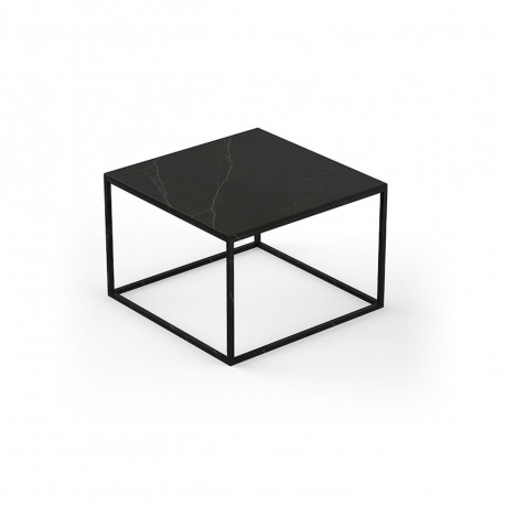Table basse design Pixel 60x60xH25cm, Vondom, Dekton Kelya noir et pieds noirs